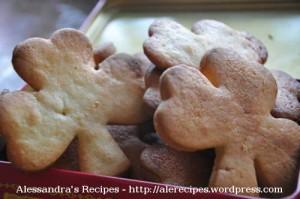 clover-shape-biscuits © alesimplerecipes