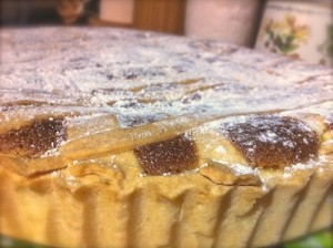 sprinkle the top of pastiera with ice sugar when cool down
