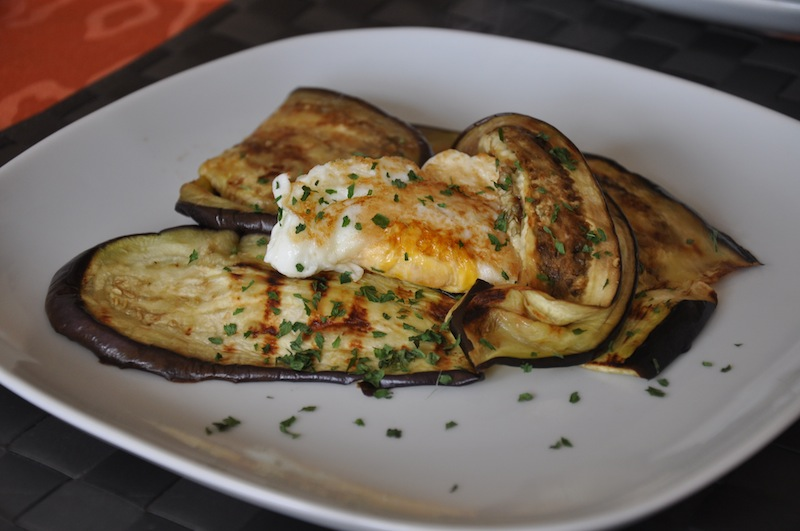 Crunchy fried egg on grilled aubergines