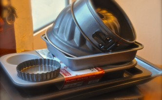 cake and biscuits pans for baking