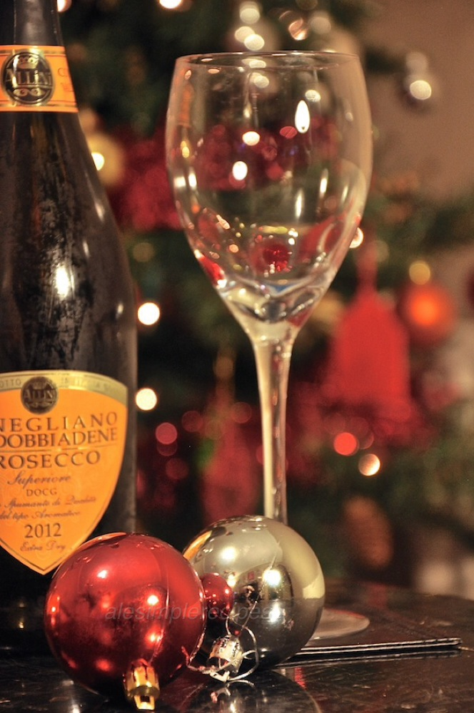 Cheers with Italian Prosecco to the New Year