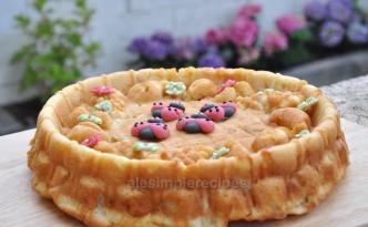 yogurt and apple cake